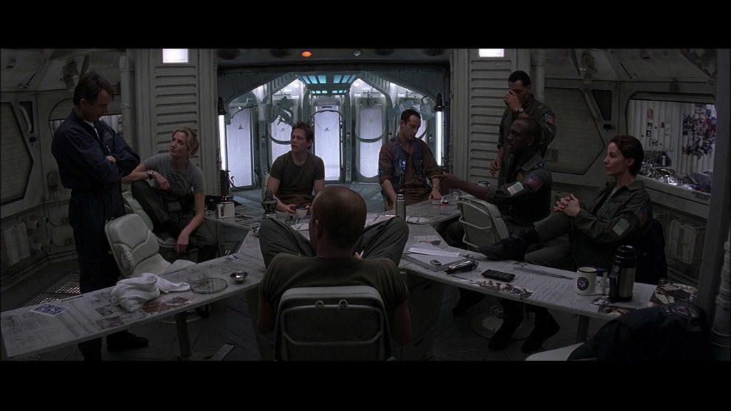 Сквозь Горизонт (Event Horizon) 1997